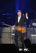 Paul_mccartney_at_tokyo_dome