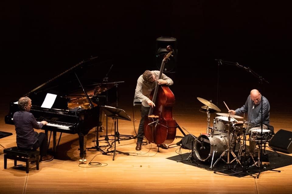 Brad-mehldau-trio-live
